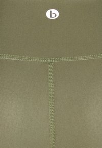 Cotton On Body - REVERSIBLE 7/8 - Medias - oregano - 7