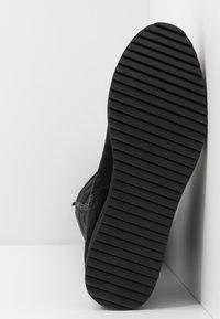 Bullboxer - Platform boots - black - 6