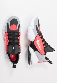 Nike Performance - AIR MAX ALPHA SAVAGE - Sports shoes - wolf grey/white/laser crimson/anthracite - 1