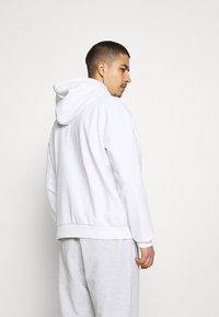 Karl Kani - ORIGINALS HOODIE UNISEX - Sweatshirt - white - 2