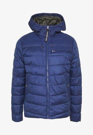 ATTACC QUILTED JACKET - Lehká bunda - imperial blue
