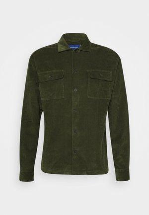 JORRAYMOND - Overhemd - trekking green