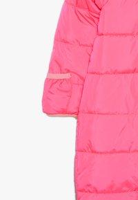 Nike Sportswear - CIRE SNOWSUIT BABY - Lyžařská kombinéza - racer pink - 3