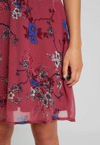 Vero Moda Petite - VMKATINKA  SHORT DRESS - Denní šaty - dry rose/katinka - 6