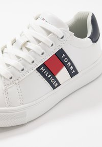 Tommy Hilfiger - Trainers - white/blue