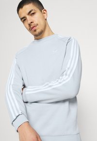 adidas Originals - STRIPES CREW UNISEX - T-shirts print - halo blue