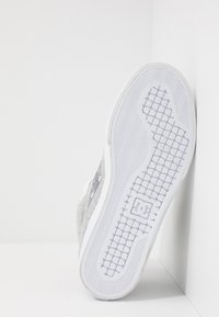 DC Shoes - PURE UNISEX - Skateskor - grey/white - 4
