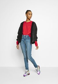 Levi's® - DIANA CREW - Sweater - ultra soft tomato - 1