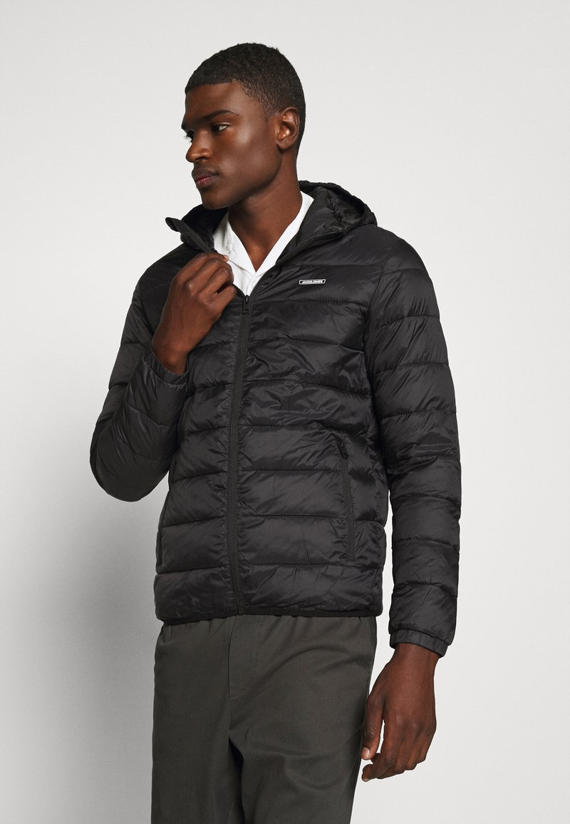 Jack & Jones - JJVINCENT PUFFER HOOD - Zimní bunda - black