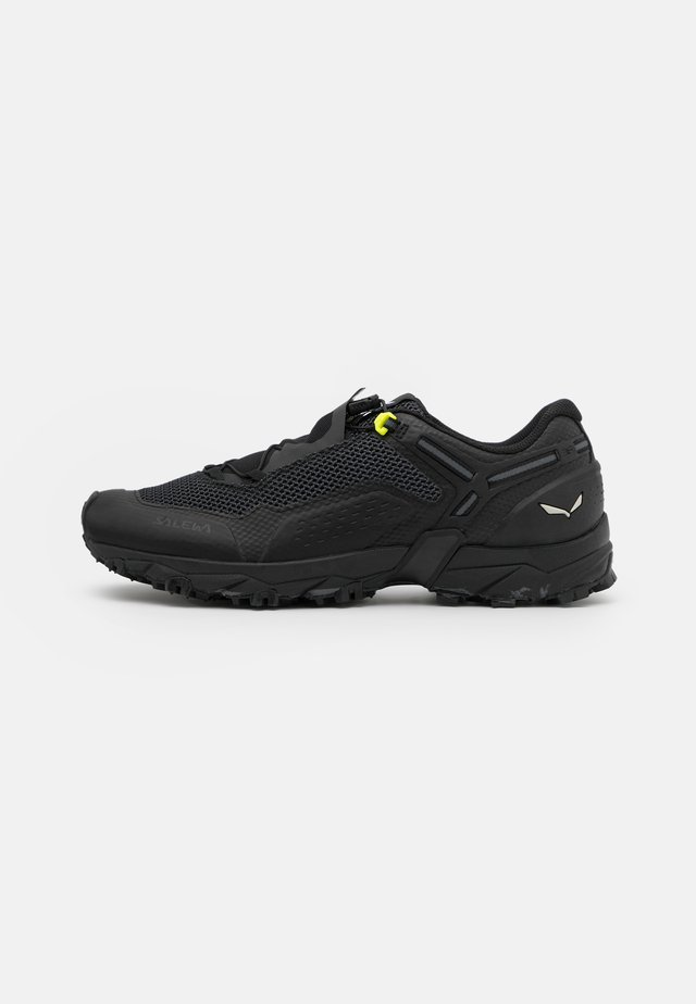 ULTRA TRAIN 2 - Zapatillas de trail running - black