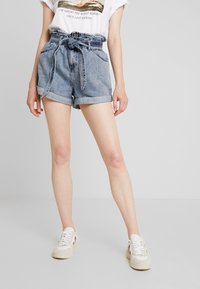 River Island - Denim shorts - acid wash - 0