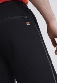 Superdry - Sports shorts - black - 3