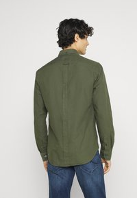 Ben Sherman - SIGNATURE OXFORD  - Shirt - loden green - 2