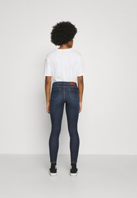 ONLY - ONLWAUW LIFE MID  - Jeans Skinny Fit - dark blue denim - 2