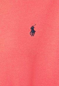 Polo Ralph Lauren - LONG SLEEVE - Mikina - amalfi red/tiki green - 2