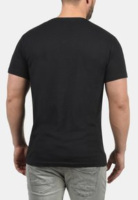 Solid - V-SHIRT BEDO - Basic T-shirt - black - 1