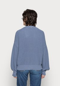 Rich & Royal - CARDIGAN CABLE - Cardigan - smoked blue - 2