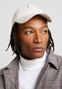 Wood Wood - LOW PROFILE - Cap - off-white - 1