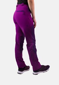 IZAS - Tracksuit bottoms - purple/dark purple - 1
