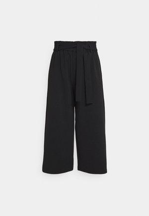 ONLHARRIS CAROLINA CULOTTE BELT - Trousers - black