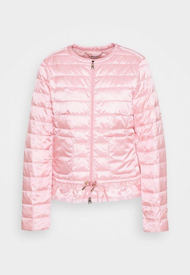 Untuvatakki - candy pink