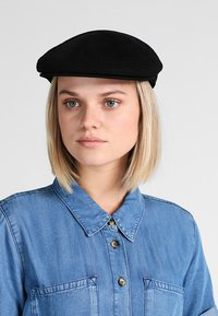Kangol - TROPIC VENTAIR - Hatt - black - 5