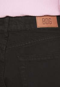 BDG Urban Outfitters - PAX - Džíny Straight Fit - clean black - 4