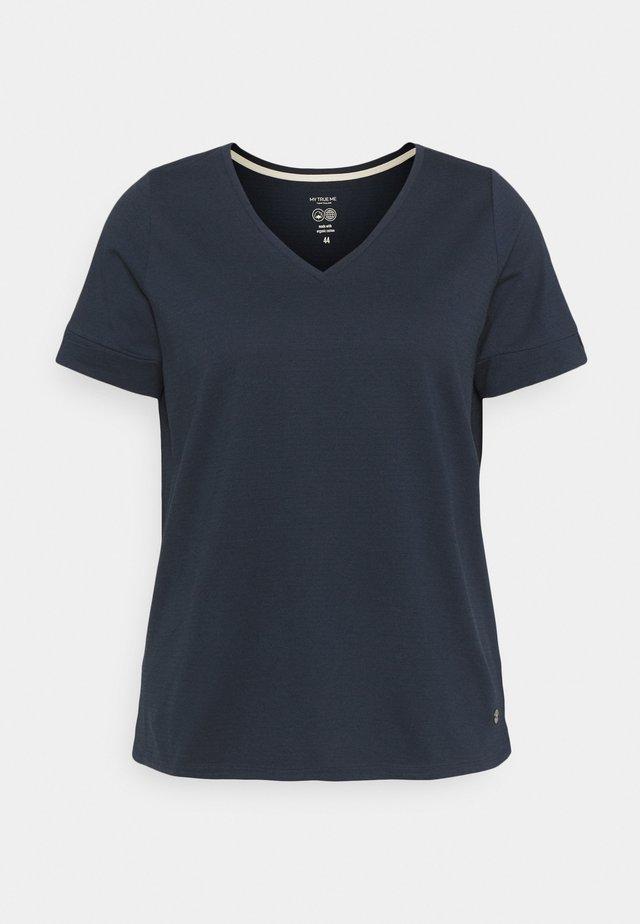 CUFF DETAIL - Camiseta estampada - sky captain blue