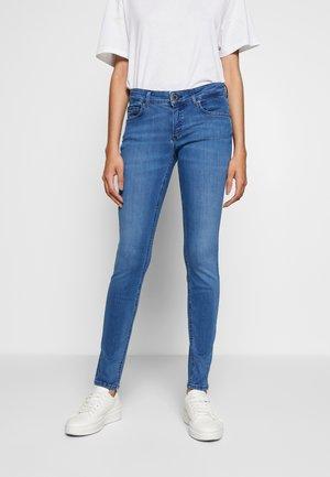 TROUSER LOW WAIST REGULAR LENGTH - Jeans slim fit - royal blue wash
