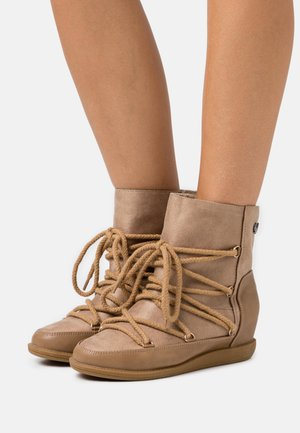 SALIA - Wedge Ankle Boots - beige