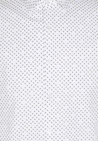 Calvin Klein Tailored - PRINTED SLIM SHIRT - Formal shirt - white - 2