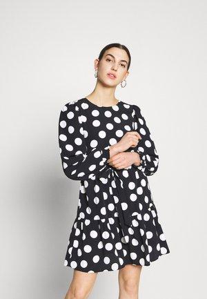 SPOT PUFF SLEEVE - Korte jurk - black