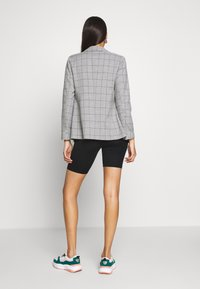 ONLY - ONLCAROLINA CHECK - Blazer - light grey melange/black - 2