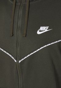Nike Sportswear - REPEAT HOODIE - Zip-up sweatshirt - cargo khaki - 2