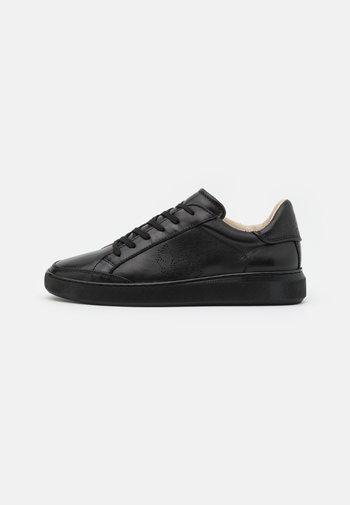 TRACK - Zapatillas - black