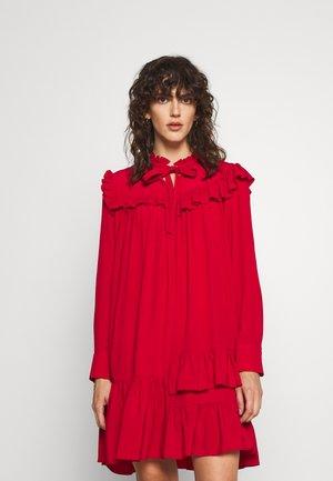 RUFFLE DRESS - Freizeitkleid - red
