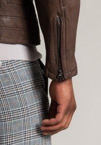 Autark - Leather jacket - dunkelbraun - 5