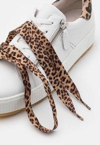 Gabor Comfort - Sneakers laag - white/natur - 5