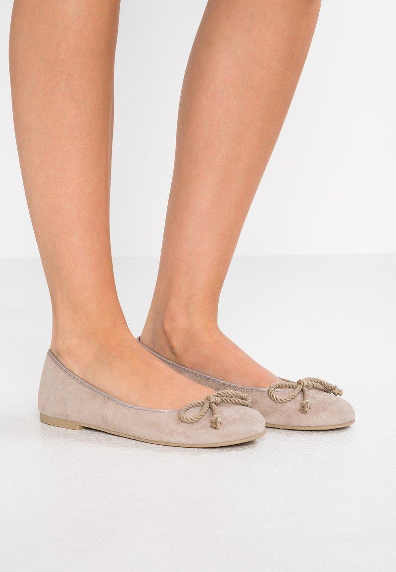 Pretty Ballerinas - ANGELIS - Ballet pumps - safari
