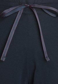 Schiesser - LANGER SCHLAFANZUG SET - Pyjamas - blau/rot - 4