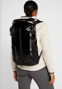Patagonia - BLACK HOLE PACK 25L - Reppu - black - 6