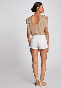 Morgan - Denim shorts - off-white - 2