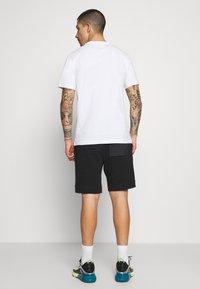 Nike Sportswear - MIX - Shortsit - black/ice silver/white - 2