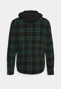 American Eagle - HOODED ALM PLAID OVERSHIRT - Vapaa-ajan kauluspaita - green - 1