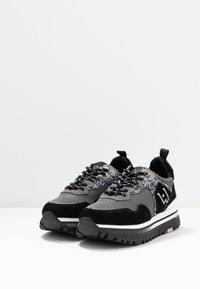 Liu Jo Jeans - MAXI  - Sneakersy niskie - black - 4