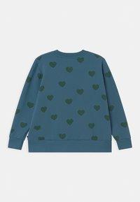 TINYCOTTONS - HEARTS UNISEX - Sweatshirt - sea blue/dark green - 1