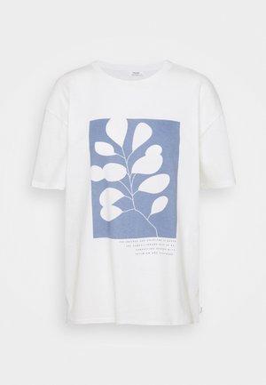 SHORTSLEEVE ROUNDNECK - Print T-shirt - scandinavian white
