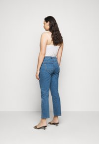 Missguided Plus - WRATH HIGH WAISTED - Straight leg jeans - mid auth blue - 2
