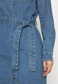 ONLY - ONLCOLUMBIA LIFE DRESS - Denim dress - medium blue denim - 5