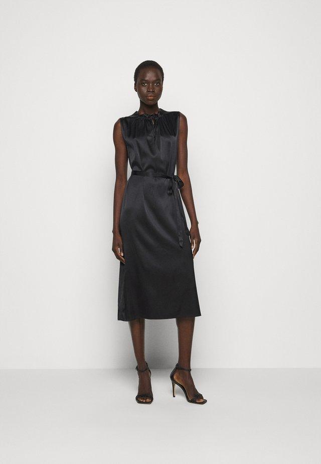 RAYA SLEEVELESS DRESS - Cocktailjurk - black